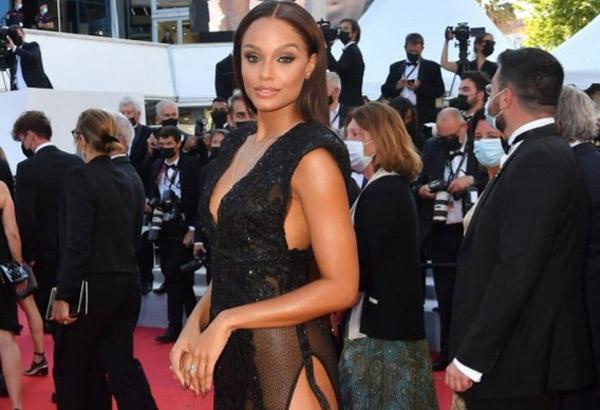 Hoa hậu Pháp mặc váy xẻ cao trên thảm đỏ Cannes