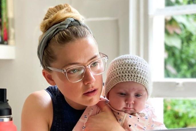 Amber Heard: 'Tôi là mẹ, đồng thời là cha'