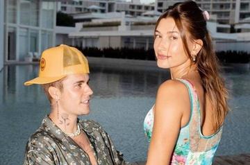 Hailey Bieber phủ nhận mang thai