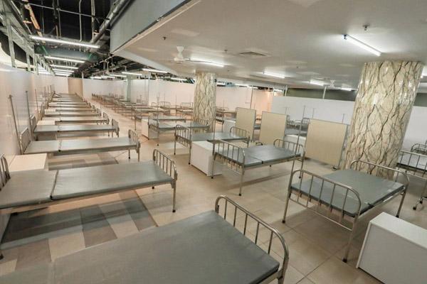 Bàn giao bệnh viện dã chiến tại Thuận Kiều Plaza