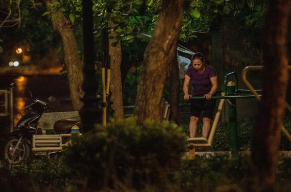 Nhiều người Hà Nội tập thể dục từ 3h để né cảnh sát