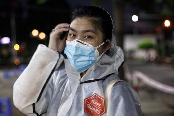 Cô gái lai Thái - Việt làm tình nguyện viên chống dịch ở TP.HCM