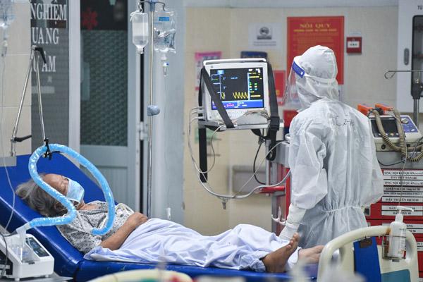 'Dự báo 5-7 ngày tới, số ca nhiễm của TP.HCM vẫn ở mức cao'