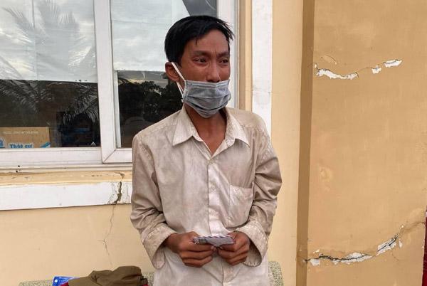 Người đàn ông đi bộ 16 ngày từ Đắk Lắk về Bình Phước để tránh dịch