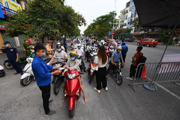 Đề nghị tháo các chốt chặn gây ùn ứ ở Hà Nội