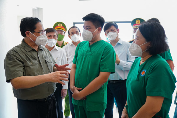 Thủ tướng gửi thư khen lực lượng tuyến đầu sau hơn 500 ngày chống dịch