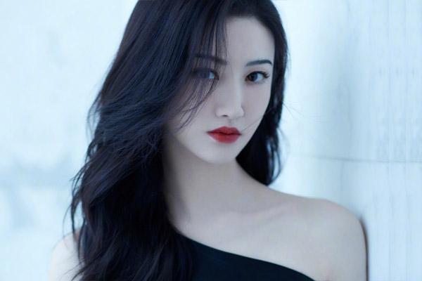 Cảnh Điềm nhận 12,3 triệu USD cho một bộ phim