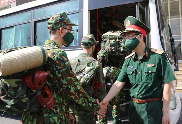 Quân y được chi viện từ Hà Nội sẽ đến tận nhà chăm sóc F0 ở TP.HCM