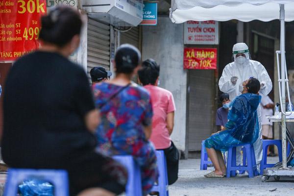 Nguy cơ dịch lây lan ở Hà Nội vẫn rất cao sau 1 tháng giãn cách