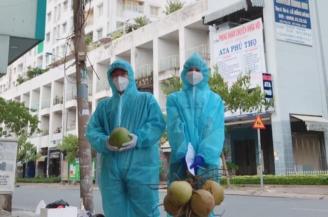 Kẹt lại TP.HCM 2 tháng, cô gái Hưng Yên đăng ký đi chống dịch