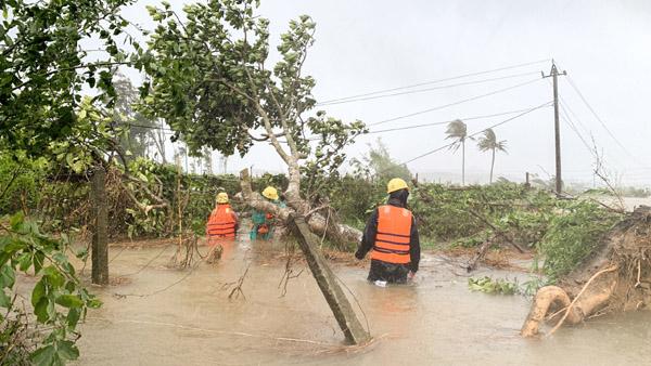 Miền Trung đối mặt mưa bão dồn dập vào tháng 10