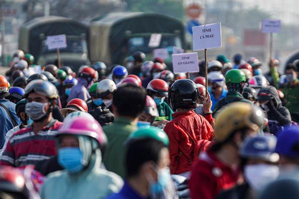 Đại biểu Quốc hội hiến kế trước dòng người tự kéo nhau về miền Tây