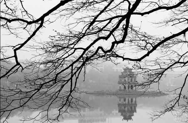 Hà Nội rét 18 độ C, miền Trung tiếp tục mưa lớn