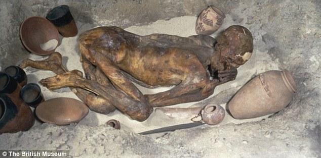 Mẹ ruột và cha dượng giết con, ướp xác 3 năm