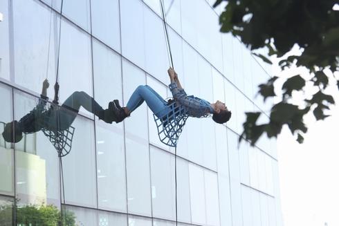 Thí sinh next top 'choáng' với thử thách chụp ảnh trên không